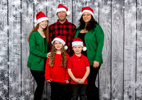 White Family Holiday Portraits_0015